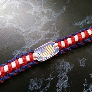 Jewelry - American Flag Paracord Bracelet Survival Camping